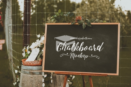 Free Chalkboard Mockup PSD for Lettering & typography